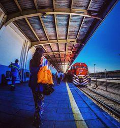 Estacion Retiro   #tren #streetphotography #fotografiacallejera #belgranonorte #lovestreet #ig_buenosaires #buenosaires #lovefoto #love #instagramstreet#bsas#bsas_streetphotography#buenosaires #argentina #instagrambuenosaires#shutterisoaperture