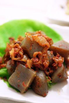 Stir-Fried Konnyaku with Bonito Flakes and Kimchi
