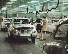 Saab Assembly Line Saab 900 Turbo, Saab Automobile, Scandinavia Design, Assembly Line, Commercial Vehicle, Car Humor, Fiat, Volvo, Peugeot