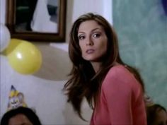 Annete Moreno - Un angel llora - Cicatrices.... Si algún día tocamos a una mujer que sea... para una caricia!. Ojalà suceda asì siempre.