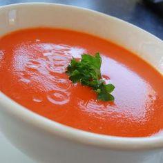 Como fazer sopa de tomate caseira