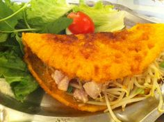 This long-standing Grand Street restaurant offers up the same big menu of Viet specialties that you'll find in most places. The bun, or rice...
