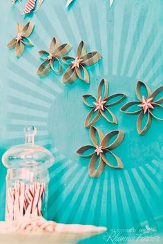 frangipani looking wall décor EASY - Best DIY Ways to Transform Toilet Paper Rolls Into Wall Art Toilet Paper Roll Art, Toilet Paper Roll Crafts, Crafts For Kids, Diy Crafts, Upcycled Crafts, Recycled Art, Diy Art, Paper Flowers, Wall Flowers