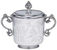 """110700374 - """"Bowl"""" com tampa em prata inglesa, decorado em gravação com…"""