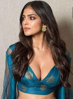Bollywood Actress Hot Photos, Indian Actress Hot Pics, Bollywood Girls, Beautiful Bollywood Actress, Most Beautiful Indian Actress, Beautiful Actresses, Cute Beauty, Beauty Full Girl, Beauty Women