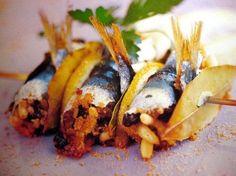 """Ricette di Natale: le sarde a beccafico.     Christmas recipes: sardines """"a beccafico""""  www.scentofsicily.com"""
