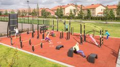 The Lappset Sport range of equipment provides safe and sustainable training opportunities like outdoor gyms and parkour training. All products have a modern design for people of all ages and fitness levels. Outdoor Gym, Outdoor Workouts, Gym Workouts, Outdoor Fitness, Sport Photography, Video Photography, Outdoor Training, Sports Graphics, Sport Motivation
