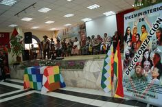Viceministerio de Descolonización presente en el III ENCUENTRO DE LOS CUATRO SUYUS TAWANTINSUYU HATUN TINKUY 2013, recordando los CCXXXIII años del grito libertario de José Gabriel Condorcanqui Túpac Amaru II (04 de noviembre de 1780), acto realizado en la plaza principal de la Municipalidad del Distrito de Tinta – Perú. 03/11/2013