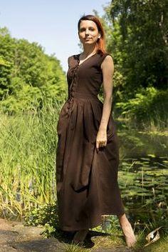 Robe légère à laçage, marron - Robe d'été sans manches avec laçage sur le…