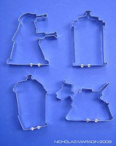 Wow Doctor Who Cookie cutters!! I need these!  Custom Doctor Who Cookie Cutters - Neatorama