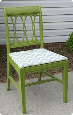 love the chair and the color combo, i need to try this in gray & purple for my office to be