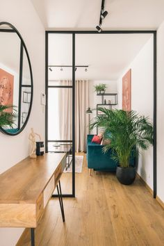 Modern apartment with a touch of boho. Green velvet sofa and oriental carpet. A glass wall with black bars. Interior Design Inspiration, Room Inspiration, Decoration Inspiration, Living Room Decor, Living Spaces, Diy Projects For Bedroom, Modern Loft, Home Fashion, Interiores Design