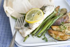 Pack in the flavor with healthy steamed hake. Healthy Chicken Dinner, Easy Chicken Curry, Easy Healthy Dinners, Healthy Muffin Recipes, Healthy Recipe Videos, Healthy Snacks, Healthy Muffins, Dinner Recipes For Kids, Healthy Dinner Recipes