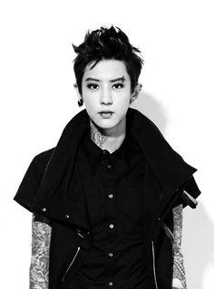 tattooed and pierced Chanyeol= ლ(́◉◞౪◟◉‵ლ) Boy Fashion, Mens Fashion, Male Man, Best Memes, Chanyeol, Fun Facts, Crushes, Funny Pictures, Wattpad