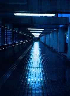 i wanna slide down that hallway @rola_dola.