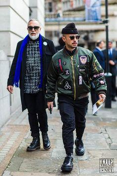 2016-01-25のファッションスナップ。着用アイテム・キーワードはサングラス, シャツ, ドレスシューズ, ニットキャップ, ブルゾン, 黒パンツ,HYEIN SEO, MA-1etc. 理想の着こなし・コーディネートがきっとここに。| No:136601