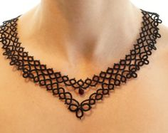 Black tatted necklace