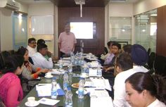Prof. Ashok Advani, Interacting with the participants.