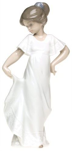 Nao How Pretty Figure Ornament by LLADRO
