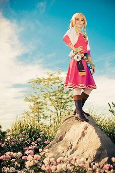 Akuriko as Skyward Sword Zelda @ Colossalcon Easy Costumes, Super Hero Costumes, Cosplay Costumes, Zelda Skyward, Skyward Sword, Link Zelda, Twilight Princess, Princess Peach, Most Popular Series