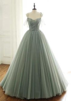 Good price prom dresses 2020 luxurious handmade dress simple homecoming dresses fairytale style dresses long sleeves muslim prom sexy sheer prom sequins sparkly prom red prom dresses black party dress here you will have hundreds of choice! Simple Homecoming Dresses, Long Prom Gowns, Black Prom Dresses, Tulle Prom Dress, Ball Gowns Prom, Ball Dresses, Pretty Dresses, Beautiful Dresses, Formal Dresses