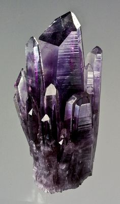 Quartz var. Amethyst - Amatitlan, Guerrero, Mexico / Mineral Friends