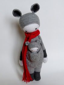 Mais d'abord, que signifie donc ce nom étrange ?   Amigurumi ( 編みぐるみ , lit. crocheted or knitted  stuffed toy )is the Japanese ar...