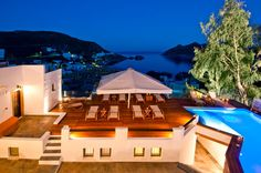 Petra Hotel & Suites, Luxury Hotel in Grikos, Patmos, Greece Small Luxury Hotels, Top Hotels, We Heart It, Fine Hotels, Dream Pools, Rooftop Terrace, Hotel Suites, Swimming Pools, Around The Worlds