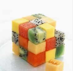 rubik's cube-food-art-culinaire Plus Cute Food, Good Food, Yummy Food, Fruit Recipes, Cooking Recipes, Salad Recipes, Fingers Food, Food Humor, Food Presentation