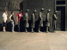 Crazy statues--Great Depression Bread Line Statue, New Jersey, US