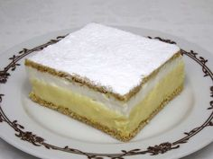 Ingrediente:<br > <br > 12 l lapte suta grasimi<br > 150 gr zahar granulat<br > 40 gr faina<br > 110 gr budinca cu aroma de vanilie<br > 2 galbenusuri<br > <br > Alte ingrediente:<br > 250 gr faina<br > 50 Hungarian Desserts, Hungarian Recipes, Baking Tins, Baking Soda, Making Whipped Cream, Creamed Eggs, Cheesecakes, Vanilla Cake, Food And Drink