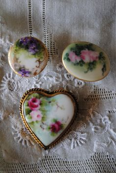 Victorian PAINTED Heart BROOCH w/ ROSES and two Porcelain Buttons Lot Antique Vintage 1900. $38.00, via Etsy.