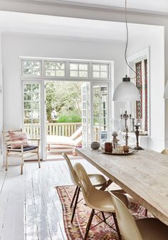 5 Rustic Dining Rooms That Are Natural Beauties Home Living, Apartment Living, Living Spaces, Dining Room Inspiration, Interior Inspiration, White Wooden Floor, Country Look, Interior Styling, Interior Design