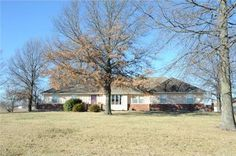 19870 S Clearview Rd, Spring Hill, KS 66083