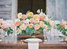 gorgeous peachy centerpiece by Fern Studio | Landon Jacob