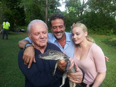 Anthony Hopkins, Jeffrey Dean Morgan and Abbie Cornish with Buck the American alligator. From the FB page of Southeastern Reptile Rescue in Georgia.