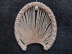 Romanian point lace step 2