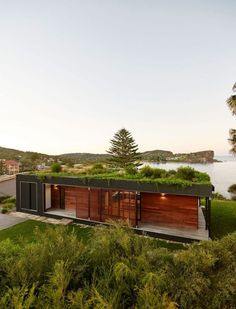 Modular contemporary home with green roof in Avalon Beach, New South Wales