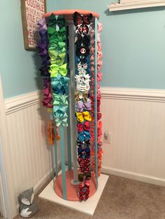 Spinning Bow Carousel GirlsRoomIdeas is part of Baby bows - Organizing Hair Accessories, Bow Accessories, Diy Rangement, Diy Hair Bows, Little Girl Rooms, Baby Bows, Girls Bedroom, Diy Bedroom, Bedrooms