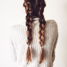 Style Your Hair Overnight - Prep your hair before you go to bed, whether it's by sleeping in braids to create '70s waves or simply applyingdry shampoo to absorb extra oil. This step will save you precious timewhen you'rerushing out the door.