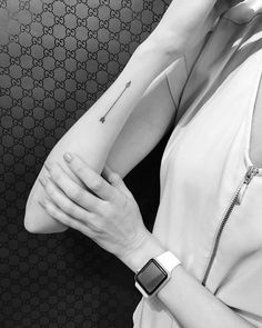 Arrow tattoo on the right forearm. Artista Tatuador: Jon Boy · Jonathan Valena