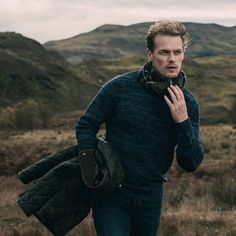 We're just a few weeks away from the season four premiere of Outlander, but today, the show's star Sam Heughan gave us a peek at one of the other projects he's been working on: a limited-edition collection with Barbour. James Fraser Outlander, Serie Outlander, Outlander Quotes, Sam Heughan Caitriona Balfe, Sam Heughan Outlander, Gabaldon Outlander, Sam Heugan, Sam And Cait, Diana Gabaldon