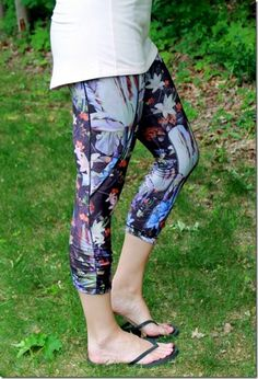 CALIA by Carrie Underwood Women's Essential Printed Tight Fit Capris