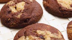 Μπισκοτάκια με δάκρυα σοκολάτας Biscuits, Greek Dishes, Muffin, Cookies, Chocolate, Breakfast, Sweet, Desserts, Food