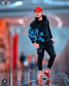 Best Poses For Boys, Photo Poses For Boy, Boy Poses, Best Photo Background, Studio Background Images, Black Background Images, Foto Editing, Mens Photoshoot Poses, Blur Background Photography