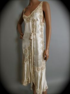 The Grand Suite - Beautiful 1920's Vintage Bonwit Teller Negligee set---unbelievably gorgeous.