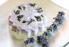 Săpun în straturi, Lavandă & Liliac Liliac, Soap Making, Birthday Cake, Candles, Ethnic Recipes, Desserts, How To Make, Handmade, Dyi