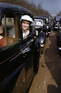 Inga Morath, ENGLAND. London. 1958. Debutante coming out, Court of St. James.
