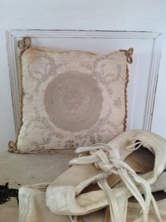 Old Pillows, Throw Pillows, Ribbon Work, Cool Pictures, Reusable Tote Bags, Embroidery, Nice Picture, Ballerina, Cases