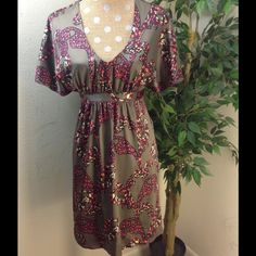 H&M dress size 6 Beautiful and elegant H&M dress. Price is firm. H&M Dresses